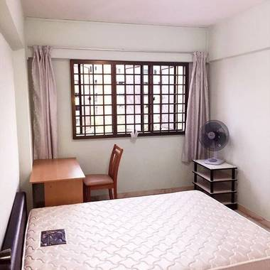 Common room near Lakeside MRT/Chinese Gardens (West) available for rent S$600-S$700