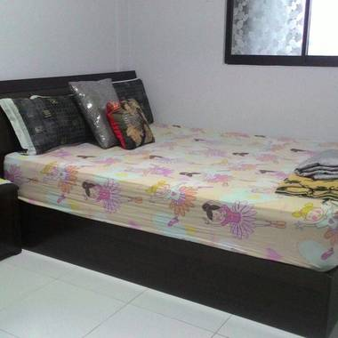 Common Room with separate bathroom for rent