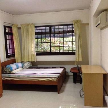 Master bedroom for rent near Queenstown MRT