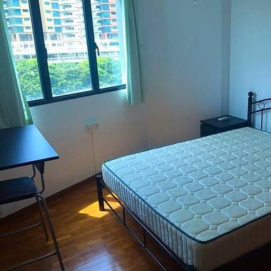 Admiralty nice condo rooms for rent