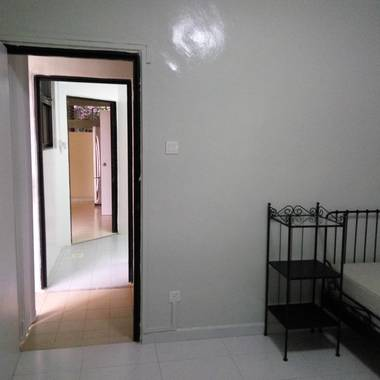 Newly furbished air-con room w bathroom. Own entry, garden, cafe, facilities. MRT to City/one-north/