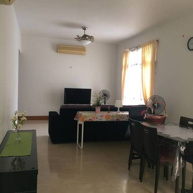 Common Room in Seleteris Condo (Sgd 850/month) call / sms