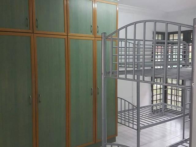 Common room & Master Bedroom rent@ BLK 464 Choa Chu Kang