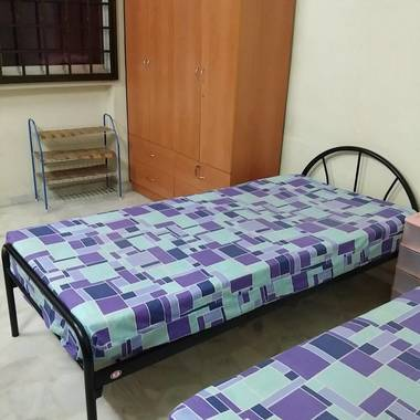 $370! 1male share room Blk 341 Ubi ave 01 for rent!! ( 2 in 1room)