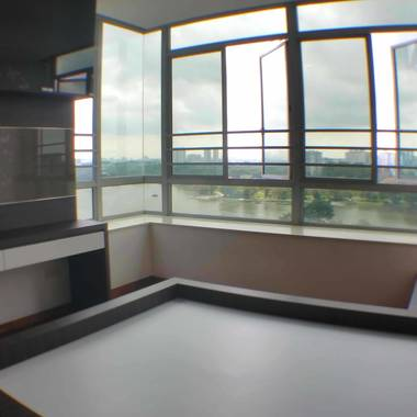 Condo Master Room, 5 min walk to MRT