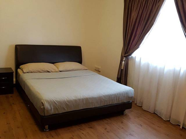 Spacious room for rent - central