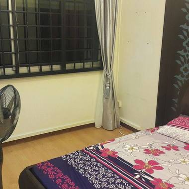 Master bedroom available immediately in Bishan