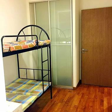 NO AGENT FEE.....NO OWNER!!! Geylang Lor 20 Just New Renovate nice big Master bedroom