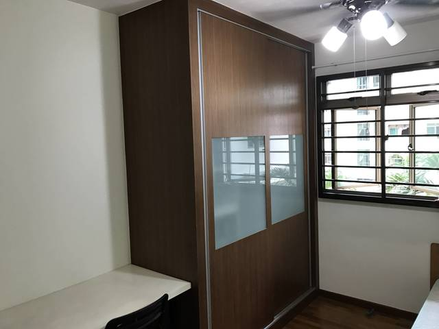 Jurong West (Boon Lay MRT): none corridor common room for rent. Available on 5th November