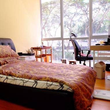 Condo Common Room Rent