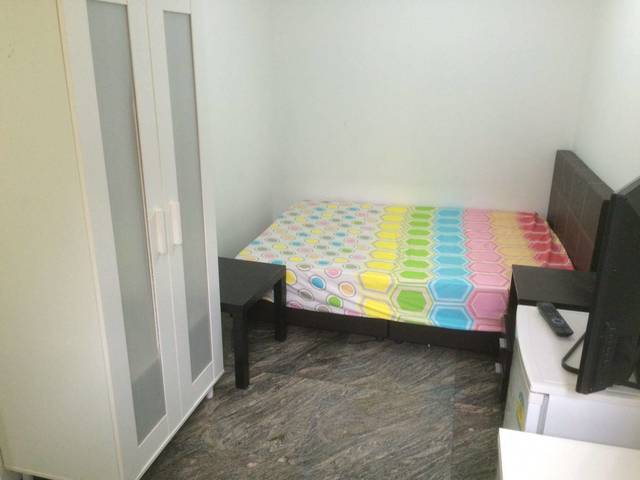 Sixth Avenue Spacious common room-walk to MRT & amenities