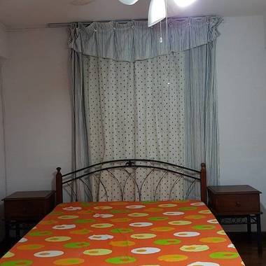 Tiong Bahru - Aircon Big Room/$780 per mth/ 1 Professional working Female Only!