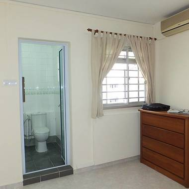NEWLY RENOVATED, FULLY FURNISHED, NEAR MRT @ WOODLANDS