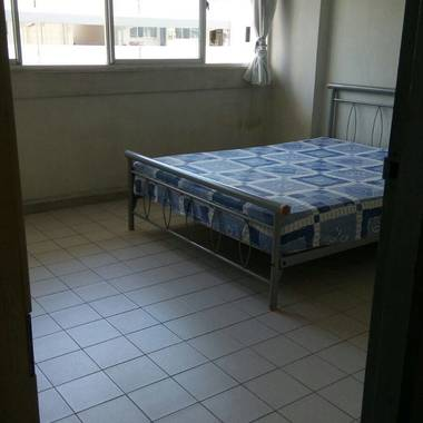 Common Bedroom (Single / 2 Ladies / Couple) $600 @ Blk 778, include WiFi & Aircon. Utilities Sharing