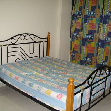 Fully furnished AirCon Rm with Wifi Internet, TV & Telephone Point