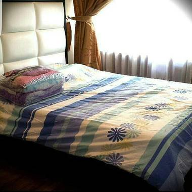 SHARE A BIG MASTER BEDROOM - 1 FEMALE ONLY  AVAILABLE FOR RENT - / NO AGENT FEES