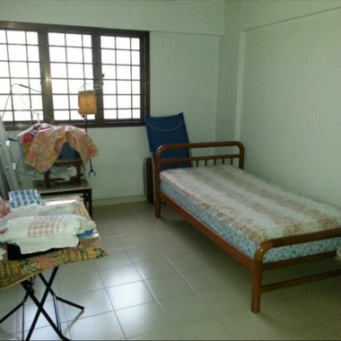 HOUGANG MRT COMMON ROOM FOR RENT