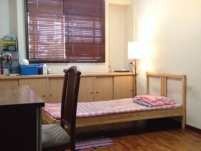 Room for rent jurong west singapore master room near pioneer mrt for rent Master bedroom for rent in jurong west