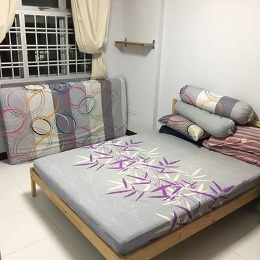 Master bedroom/ common room for rent (Boon Lay Ave)