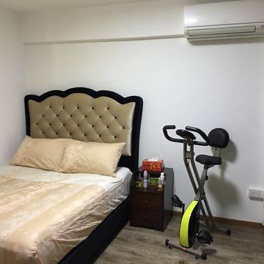 Looking for Roommate (Share common room)