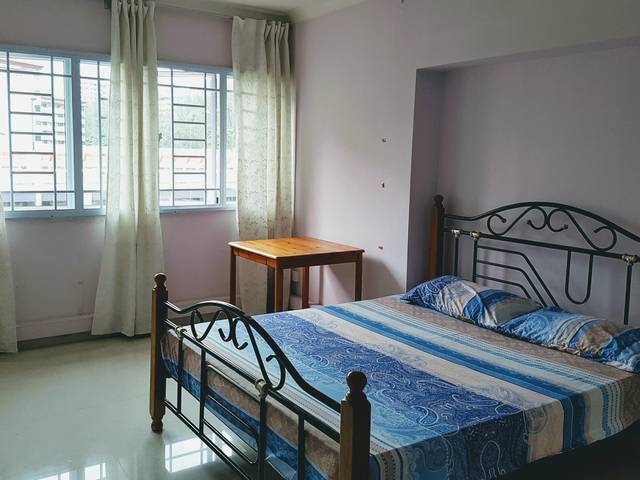 Jurong West -Spacious Common Room for Rent $600 Near Lakeside MRT. Executive apartment