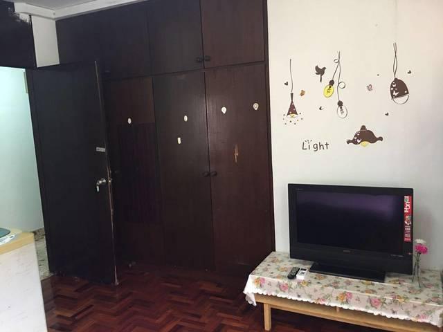 Siglap Ctr /Upper East Coast Master Room for Rent