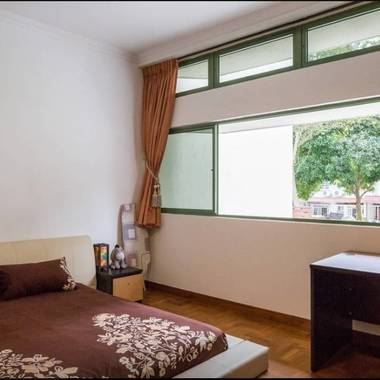 2min to MRT. Beautiful Master Room in Landed House