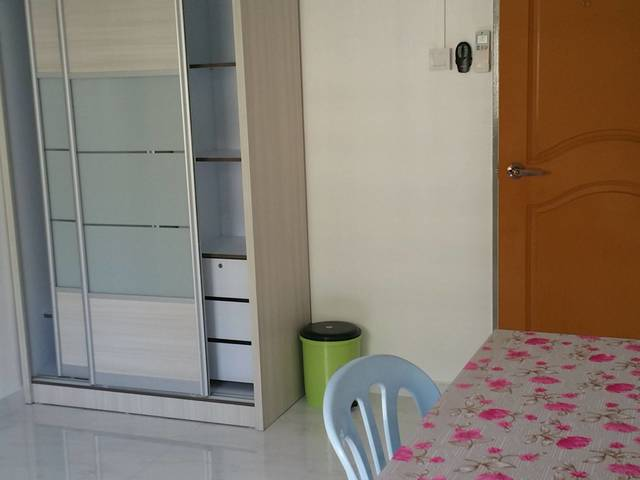 Blk 414 Woodlands St 41 - 1 common room for rent