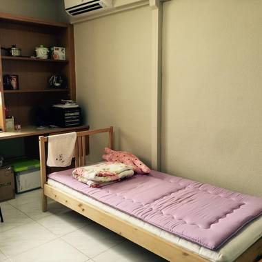 (Near Jurong East) A Common Room for Rent