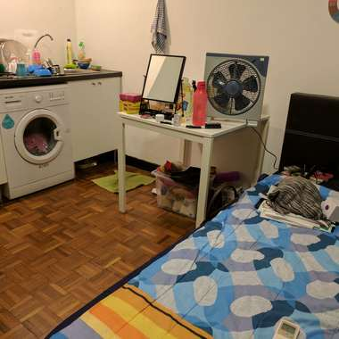 Room for rent in Holland village