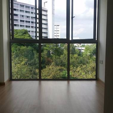Cosy Studio with Pool View for Rent Near Hougang and Kovan