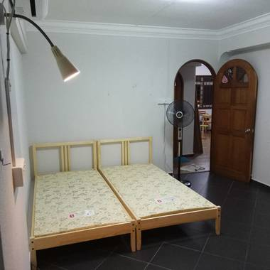 Master Bedroom to Rent @ BLK307 CCK AVE4 very near MRT