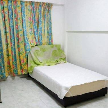 Single room for rent at Yishun Ave 3