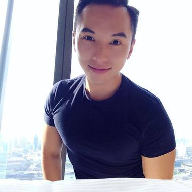 Derrick is looking for a room in Jurong East