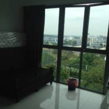 Yishun Condo common room for rent