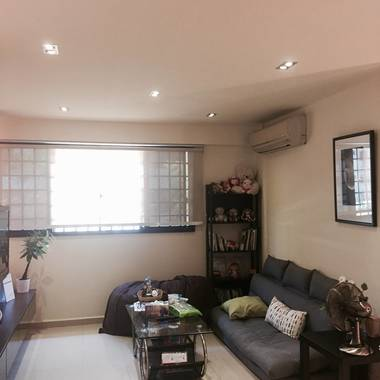Beautifully renovated room opp SGH!!