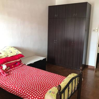 Nice common room for rent, private house in Serangoon