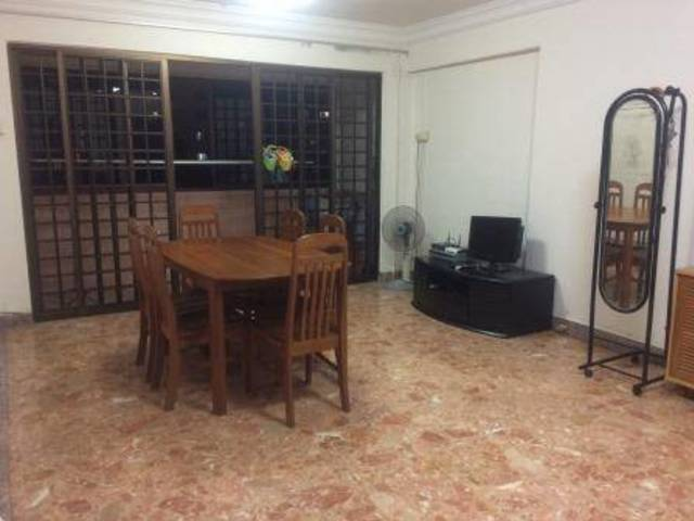 Clementi Common Room for rent, avail now (current contract upto July 2017)