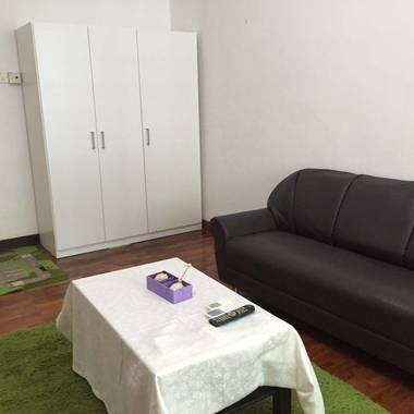 8 mins walk to Woodleigh MRT Master room for rent (Avail from 01 March 17)