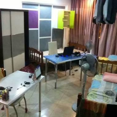 158B Sengkang 3 male share room Incl Utility No Owner No agent fee High flr