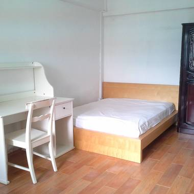 Master Room Rental $300 per roommate. Walking distance to Admiralty MRT. No agent fee payable.
