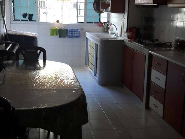 HDB 3 Bedrooms Whole Unit for rental  @Clementi  Ave 6 Blk 206 Walk to  MRT and amenities
