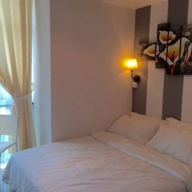 $1250 NoAgtFees NO OWNER Robertson Quay CONDO Maid Service+Wifi