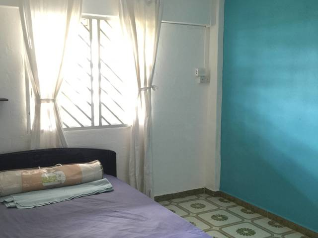 Ladies Welcome! BIG Bright Room @ Marine Drive / East Coast Beach