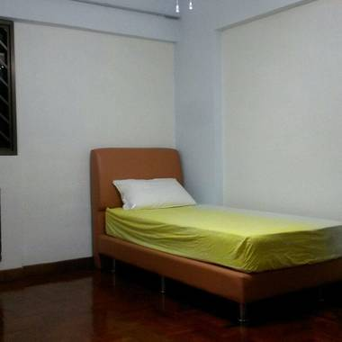 Spacious room near Bugis