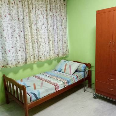 $500/-common room for rent