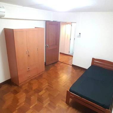 No Agent Fee Master Bedroom at CBD area