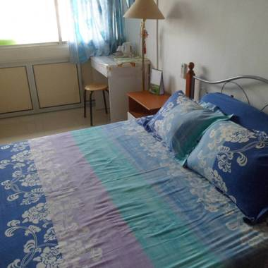 Nice Master Room Near Outram MRT Apartment for booking , Avail Early to Mid June