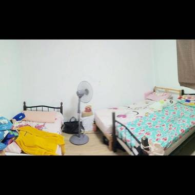 Tiong bahru - looking 2 females for a triple room