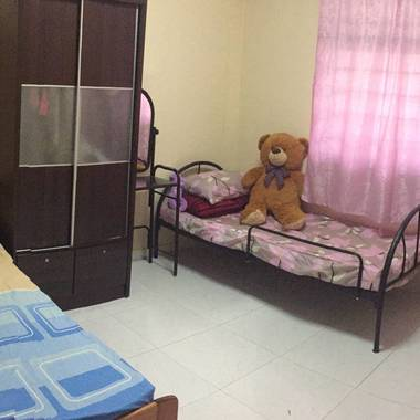 $300 common room sharing for PINAY in front of Admiralty MRT Station Blk 718 Woodlands